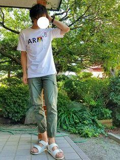 おはようございます^^ 今日はなんてことないゆるいラフコーデ🙆 ARMYじゃなくてARTのTシャツ