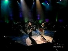 Let It Be Me - Willie Nelson and Sheryl Crow - live - 2002 - YouTube