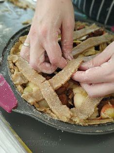 Gustostückerl: Gewürzapfelkuchen // Spicy Apple Tarte Apple Pie, Spicy, Sweet, Desserts, Food, Pies, Cakes, Meal, Deserts