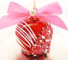 mmmm, The Sassy Apple makes amazing Valentine's apples! Order today on eatsassyapples.com