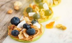 15 healthy snacks for weight loss. When trying to lose weight, snacks can play a vital role in your weight loss. Snacking can help you stay full betwe Snacks For Work, Healthy Work Snacks, Healthy Appetizers, Healthy Eating, Healthy Treats, Healthy Sandwiches, Ate Too Much, Healthy Peanut Butter, Homemade Yogurt