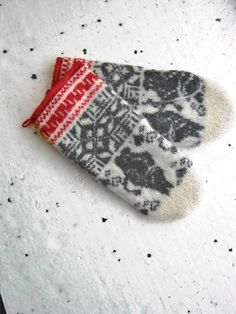 Grey Moomin . Mittens 100% wool. Knit-felted