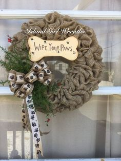 Dog Wreath Pet Wreath Dog Lovers Wreath by IslandGirlWreaths on Etsy Burlap Projects, Burlap Crafts, Wreath Crafts, Craft Projects, Wreath Ideas, Dog Wreath, Burlap Wreath, Dog Crafts, Diy And Crafts