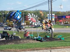 Admire the art and creativity of this Pennsylvania roadside attraction!