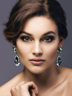 Rolene Strauss is a South African beauty pageant titleholder who won Miss South Africa 2014 and was later crowned Miss World 2014 Beautiful Inside And Out, Beautiful Eyes, Beautiful People, Beautiful Women, Beautiful Things, Miss World 2014, Miss Teen Usa, Beauty Pageant, Interesting Faces