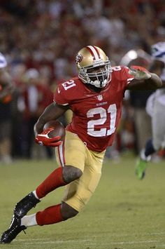 RB Frank Gore blasted through the Seattle Seahawks and helped capture a #49ers win last night.