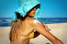 Skin Cancer Awareness: SPF & Sunscreen Facts 2013 How To Prevent Melanoma And Protect Your Skin Whether Youre Caucasian, Latino Or African American How To Treat Sunburn, Beauty Skin, Hair Beauty, Skinny Mom, Sun Care, Natural Treatments, Natural Remedies, Sun Protection, Lighten Skin