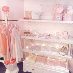 Today's SHOP ピンクホワイトのRose&Daughtersコーナー お花見にもぴったりな桜ピンクアイテムも並んでいます #katiethestore