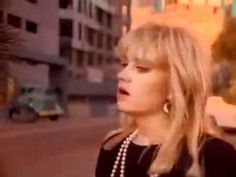 The Bangles - Manic Monday (Official Music Video)