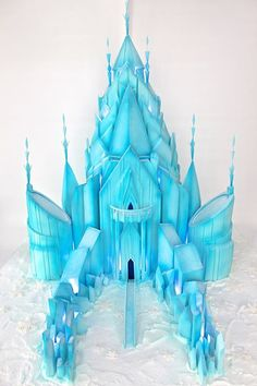 Reminds me of Frozen! XD This is simply gorgeous! -> Ice Castle Cake - Celebrate with Cake Disney Frozen Party, Tarta Frozen Disney, Frozen 3d, Torte Frozen, Elsa Torte, Frozen Castle Cake, Elsa Castle, Frozen Theme Cake, Frozen Birthday Cake