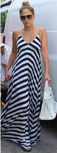 Who made Jennifer Lopez's black and white stripe maxi dress and white tote handbag that she wore in Miami on August 30, 2012?