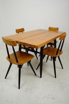 Ilmari Tapiovaara 'Pirkka' dining table and chairs