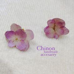 handmade accessory 薄紫グラデーション紫陽花イヤリングピアスの穴がない方にも楽しんで頂けます。 金具はネジバネイヤリングの金具になっています...|ハンドメイド、手作り、手仕事品の通販・販売・購入ならCreema。