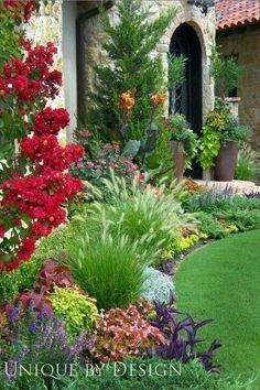 Beautiful landscaping at the Rose Creek Golf & CC in Oklahoma City • photo: Unique by Design / Helen Weis on Houzz