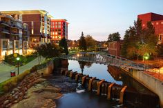Greenville, SC: Furman University - South's Best College Towns - Southernliving. Close to both the Appalachian Mountains and the Atlantic Ocean, Greenville is a paradise for college students who can't decide between the mountains and the beach. Bookworms looking for a break between study sessions will find an outdoor escape at Falls Park or the Paris Mountain State Park
