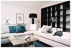 Couch und Regal