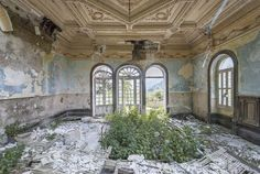 Mirna Pavlovic is an architectural photographer and writer, based in Croatia and Belgium. A storyteller with an interest in the derelict and the abandoned.