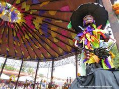 Día de Muertos. Nuevo post en el blog www.consaborapuchero.blogspot.com #México #díademuertos #catrinas #Coyoacán #tradiciones #pandemuertos