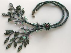 Jingling leaf bead necklace