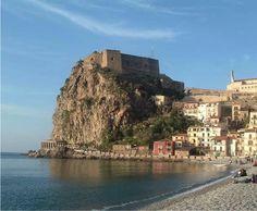 Reggio Calabria #Italy   Get travel tips -> www.gadders.eu/destination/place/Reggio%20di%20Calabria