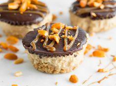 Schokoladen-Erdnuss-Törtchen ohne Backen
