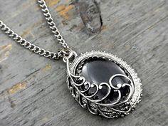 Short Necklaces – GRACE - vintage necklace with a grey stone & leaf – a unique product by VillaSorgenfrei on DaWanda