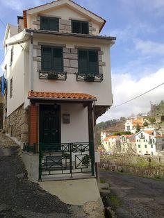 Vinhô Street, Loriga, Serra da Estrela, PORTUGAL