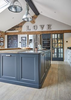 Create the ultimate industrial-chic kitchen with The Main Company. Kitchen Diner Extension, Open Plan Kitchen Diner, Open Plan Kitchen Living Room, Barn Kitchen, Kitchen Floors, Kitchen Tips, Country Kitchen, Kitchen Dining, Kitchen Island
