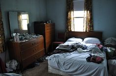 the ghostly bedroom @ creepy ghostly house