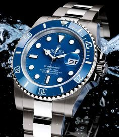 The newest line of the Rolex Oyster Perpetual Submariner men's watches has several variations, based on different materials. Gents Watches, Stylish Watches, Casual Watches, Cool Watches, Rolex Watches, Watches For Men, Men's Rolex, Wrist Watches, Rolex Submariner