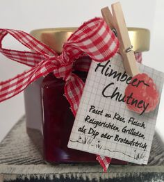 Himbeer-Chutney #fruchtig #süss #scharf Chutney, Gift Wrapping, Homemade, Creative, Gifts, Rice Dishes, Raspberries, Meat, Easy Meals