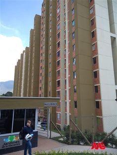 HERMOSO APARTAMENTO PARA ARRENDAR EN EL SECTOR DE SAN ANTONIO DE PRADO,CON BUENOS ESPACIOS Y ACABADOS, EXCELENTE UBICACIÓN, HERMOSA VISTA. #arrendamientos #itagui #apartamentos #colombia Prado, San Antonio, Multi Story Building, Barichara, Spaces, Apartments, Colombia, Sweetie Belle