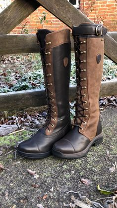 These lace up boots are a must have for winter! #laceupcountryboots #countryequestrian #ladiescountryboots #equestrianstyle Riding Boot Outfits, Horse Riding Boots, Horse Riding Clothes, Leather Riding Boots, Horse Tack, Equestrian Boots, Western Boots, Cowboy Boots, Tall Winter Boots