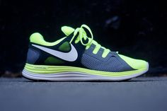 Nice colors | Nike Lunar Flash+ Volt/Anthracite