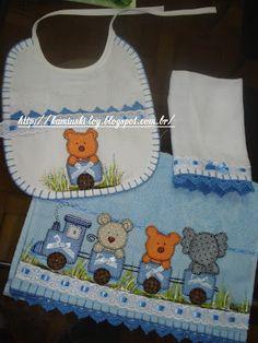 LOY HANDCRAFTS, TOWELS EMBROYDERED WITH SATIN RIBBON ROSES: Conjunto para menino: Toalha, fralda de boca e bab...