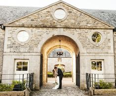 Emma and Ollie's love and laughter-filled wedding at Clonabreany House Confetti, Real Weddings, Laughter, Mansions, House Styles, Home Decor, Mansion Houses, Room Decor, Mansion
