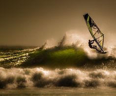 Qué bonito es tener un secreto ahora que casi todo se sabe ------------------ Fot.: TArlemo / Andreas Olandersson #africa #ciudaddelcabo #capetown #sudafrica #southafrica #windsurf #surf #surfer #surfstyle #surfing #oceano #ocean #ola #wave  #felizcumplesueños