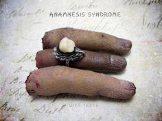 Human false Molar Victorian Mourning Ring par AnamnesisSyndrome, $22.00