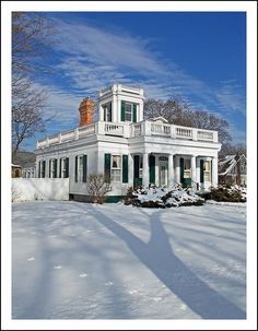 Anderson - Beardsley House. Tecumseh, in southeast Michigan's Lenawee County, is notable for several fine historic homes. This  is the Anderson - Beardsley House, built in 1832 in what is described as a carpenter's ilnterpretation of Greek Revival style.