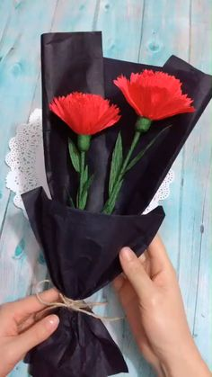 Cool Paper Crafts, Paper Flowers Craft, Paper Crafts Origami, Origami Flowers, Flower Crafts, Diy Flowers, Diy Crafts Hacks, Diy Crafts For Gifts, Diy Arts And Crafts