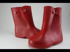 RED RAIN BOOTS..