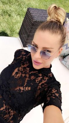 Simge Tertemiz Galeri Cat Eye Sunglasses, Sign, Eyes, Google, Dresses, Fashion, Vestidos, Moda, Fashion Styles