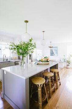 These Summer Decor Updates In Our Kitchen Are Bringing All the Beach Vibes – coco kelley – Kitchen Rugs sink Kitchen Breakfast Nooks, Breakfast In Bed, Kitchen Rug, Kitchen Design, Kitchen Ideas, Mason Jar Terrarium, Buffet, Rattan Stool, Wicker Tray