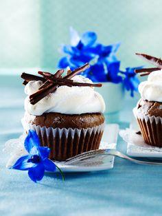 Schoko-Cupcakes (Muffins) mit Baiserhaube