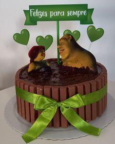Bolo Do Shrek, Ideas Aniversario, Tea Party, Cake Decorating, Desserts, Vanilla Cake, Stuffing, Fairy Cakes, 15th Birthday Cakes
