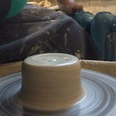 Будет маленький молочник 🙃 По всем вопросам пишите : ✅ в Директ 📝 вконтакте ( активная ссылка в шапке профиля ) 📱 viber или WhatsApp Messenger +7(920)4598832 #керамика #керамикаручнойработы #ceramics #ручнаяработа #своимируками #посударучнойработы #keramika #handmadeceramics #ceramica #подарок #кружка #глина #ceramic #уют #посуда #decor #pottery #handmade #кухня #назаказ #keramik #гончар #тарелка #Воронеж #врн #vrn #посудаизкерамики…