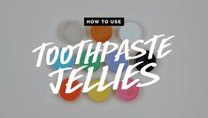 Vor kurzem haben 10 Online exklusive Zahnpastajellies in den #LushLabs gelaunched. Auch bei den Weihnachtsprdoukten darf ein Zahnpastajelly nicht fehlen. Doch wie verwendet man die eigentlich? 🤔 In unserem Video zeigen wir dir wie's geht. 📹 Lush, Pasta, Being Used, About Me Blog, Calm, Cordial, Noodles, Pasta Recipes