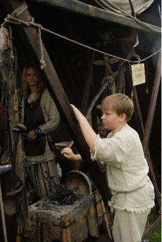 Hämeen keskiaikamarkkinat - Häme Medieval Faire 2008, Kisälli - Smiths Apprentice, © Timo Martola