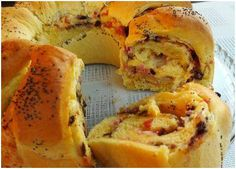 INGREDIENTI Per il pan brioche: 500 g di farina manitoba 2 uova 180 ml di latte 1 cubetto di lievito di birra 80 g di burro 1 cucchiaio di z...