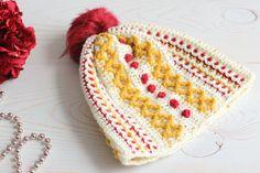 Marjorie Hat Free Crochet Pattern Crochet Baby Hat Patterns, Crochet Baby Hats, Knitted Hats, Crochet Ideas, Crochet Projects, Crochet Pattern, Crochet Mittens, Crochet Scarves, Crochet Hooks